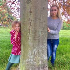 Abire, Au pair from France