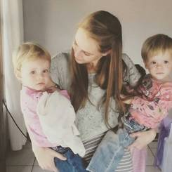 Chenique, Au pair from South africa