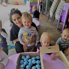 Milicia, Au pair from South africa